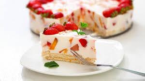 frisch und fruchtig erdbeer joghurt torte backen