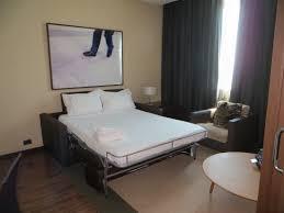 hotel barcelone avec dans la chambre chambre avec un divan lit picture of ac hotel barcelona forum by
