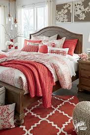 Coral Color Decorating Ideas by Coral Bedrooms Best 25 Coral Bedroom Ideas On Pinterest Coral