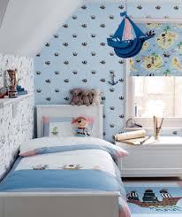chambre garcon pirate chambre enfant papier peint enfant bleu clair motifs bateaux