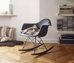 chaise a bascule eames rocking chair rar charles eames fauteuil à bascule eames