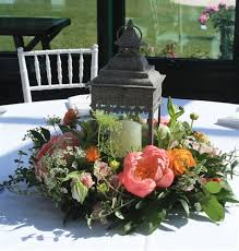 Fetching Dining Table Decoration Using Various Lantern