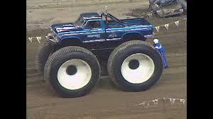 100 Bigfoot 5 Monster Truck BIGFOOT Jim Kramer Stunts Sled Pull Jan 1987 BIGFOOT 4x4