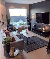 romantisches wohnzimmer einrichten ideen sofa in grau kissen