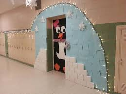 Christmas Classroom Door Decoration Pictures by 49 Best Christmas Hallway Decorations Images On Pinterest