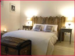chambre avec tete de lit fabriquer tete de lit avec palette decoration de chambre fabriquer