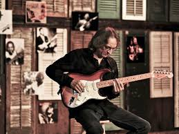 Sonny Landreth On Covers, Clapton And Commando Rigs | MusicRadar Tedeschi Trucks Band Keep On Growing Live From The Fox Concert According 2 G Blue Mountain Music Brownbox By Amprx Now In Canada Guitar Player Rigs Of The Supetars 80 81 Gathering Vibes 2015 Fretboard Journal 34 35 844 Best Big And 18 Wheelers Images On Pinterest Trucks Derek Playing Duane Allmans Guitar Derek Band Amazing Performance Youtube Tonal Bases Defing Perfecting Your Signature Reverb News Layla