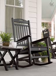 Benefits Of Using An Outdoor Rocking Chair - CareHomeDecor