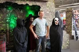 Spirit Halloween Animatronic Mask by Store Opportunities U003e Real Estate Leasing Spirithalloween Com