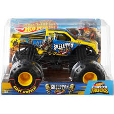Hot Wheels Monster Trucks 1:24 Scale Skeleton Crew Vehicle - Walmart.com