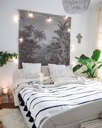 wanddeko wohnzimmer beleuchtet caseconrad