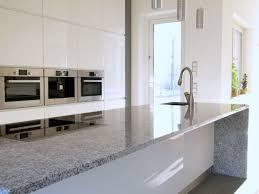 küchenarbeitsplatte vor und nachteile verschiedener