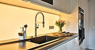 küchenrückwand duschrückwand wandbilder aus glas beleuchtet