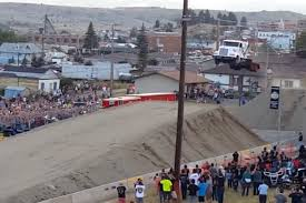100 Truck Jump Watch RecordBreaking Semi