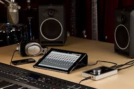 Audio Interfaces For IPad And IPhone