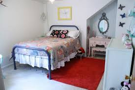 BedroomGorgeous Small Retro Bedroom With Vintage Furniture Using Rustic Metal Bed And Antique Vanity