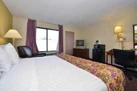 Lamplighter Inn Springfield Mo by Lamplighter Inn U0026 Suites South 61 7 9 Updated 2018 Prices