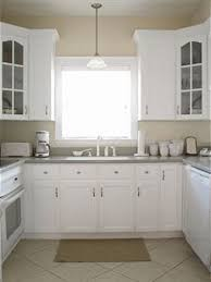 Superb Ideas on plimenting Kitchen Colors With White Cabinets
