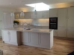 Leaky Delta Faucet Kitchen by Kitchen Glazing Painted Kitchen Cabinets Metallic Backsplash