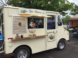 The Cinnabox Food Truck Sells Cinnamon Rolls With Pie-Style Toppings ...