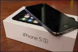 iPhone 5s Price Slashed by 15k in India