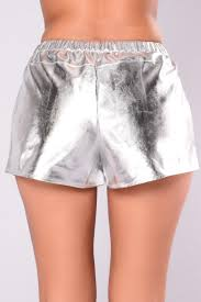 over pain shorts silver