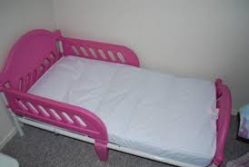 Having the Cosco Toddler Bed