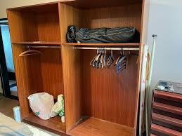 kleiderschrank offener kleiderschrank ohne türen schlafzimmer