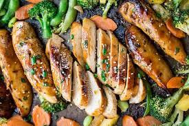 image recette cuisine facile de poulet teriyaki et légumes sur une plaque à cuisson