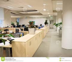 travail en bureau lieu de travail de bureau image stock image du laboratoire 5879959