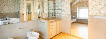 tapeten im badezimmer wasserfest und kreativ der