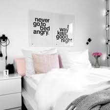 schlafzimmerideen schwarz weiss wohnkonfetti