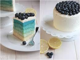 blue ombre cake mit blaubeeren