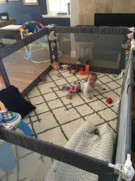 der ultimative laufstall spielplatz baby gate
