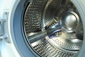odeur linge machine a laver lave linge qui sent mauvais comment s en débarrasser