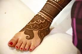 Try 15 beautiful leg mehandi or henna designs by seeing design