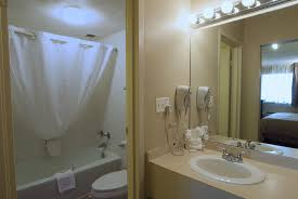 Lamplighter Inn Springfield Mo by Lamplighter Inn U0026 Suites North 2018 Room Prices Deals