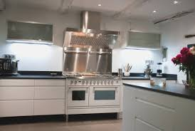 hotte de cuisine en angle awesome cuisine avec piano fresh hostelo