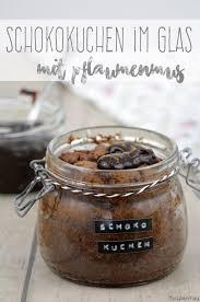 schokokuchen im glas mit warmen pflaumenmus tulpentag