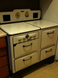 1940s Gaffers Sattler Stove This Looks Almost Just Like The Vintage Kitchen AppliancesKitchen