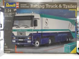 Revell 07539. 1/24 Scale. Sauber Petronas. Racing Truck & Trailer ... Revell Peterbilt 359 Cventional Tractor Semi Truck Plastic Model Free 2017 Ford F150 Raptor Models In Detroit Photo Image Gallery Revell 124 07452 Manschlingmann Hlf 20 Varus 4x4 Kit 125 07402 Kenworth W900 Wrecker Garbage Junior Hobbycraft 1977 Gmc Kit857220 Iveco Stralis Amazoncouk Toys Games Trailer Acdc Limited Edition Gift Set Truck Trailer Amazoncom 41 Chevy Pickup Scale 1980 Jeep Honcho Ice Patrol 7224 Ebay Aerodyne Carmodelkitcom