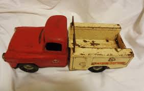 99 Vintage International Harvester Truck Parts Die Cast Red White Service