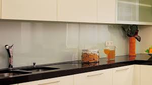 küchenrückwand glasklar durchsichtig spritzschutz
