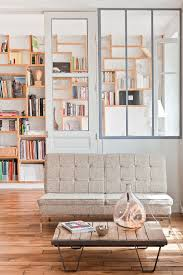 bureau de styliste stylisme épuré dans un loft parisien décoration intérieure par
