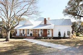 The Farmhouse Chip & Joanna Gaines Personal Fixer Upper