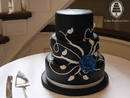 Black and White Rose Wedding Cake