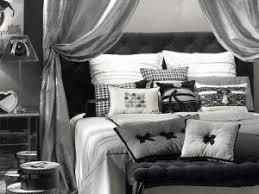 chambre grise et blanc une chambre de fille rétro en gris et blanc par carnet deco