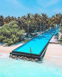 100 Maldives Infinity Pool Tasteinhotels Beautiful Hotels Resorts A True