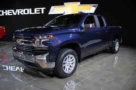 100 Chevrolet Diesel Truck 2019 Silverado Adds 30L Duramax Ditches 450 Lbs