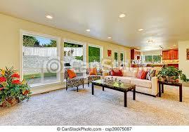 wohnzimmer stühle sofa hell zebra druck beige